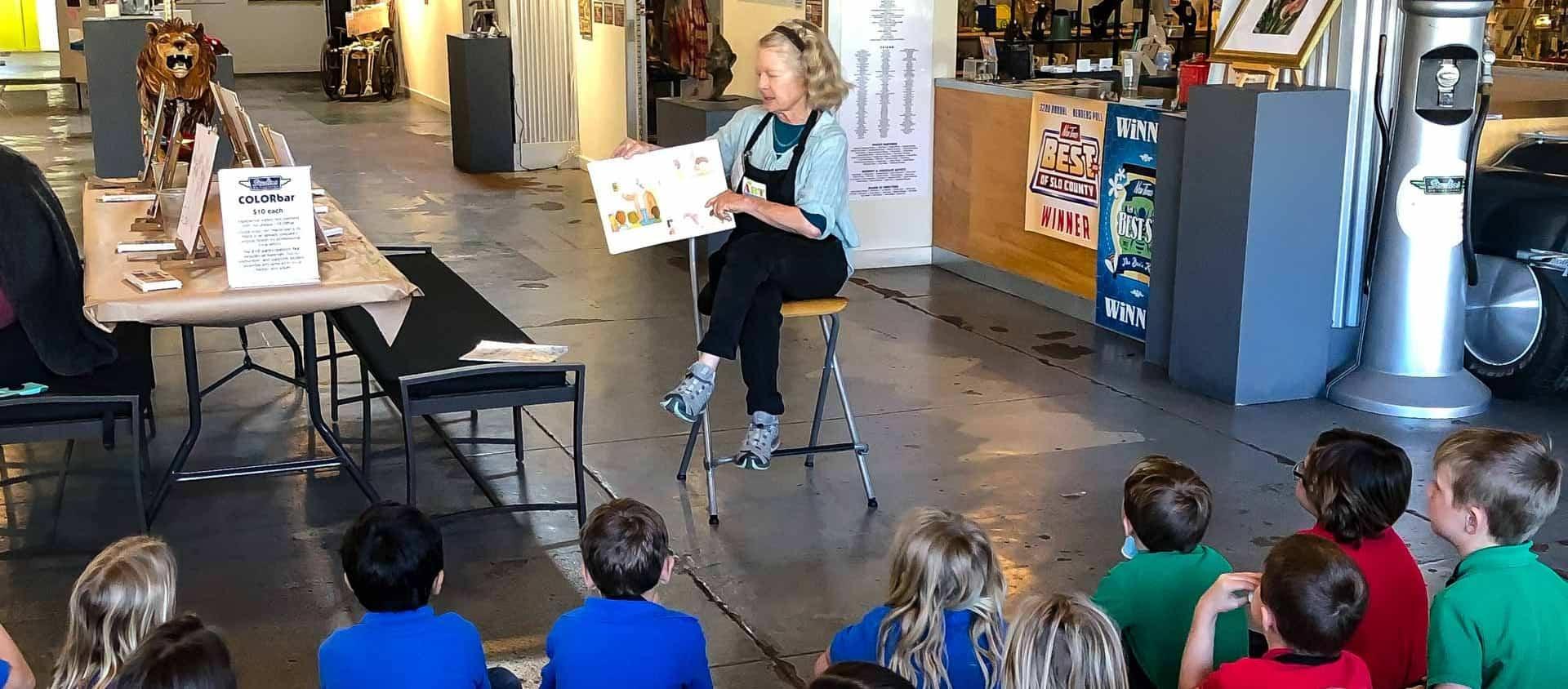 Kids Art Smart class in the Atrium Gallery